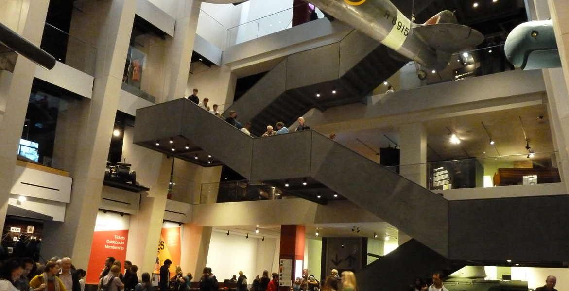The cantilever stairs with CIVIC X102 downlighters